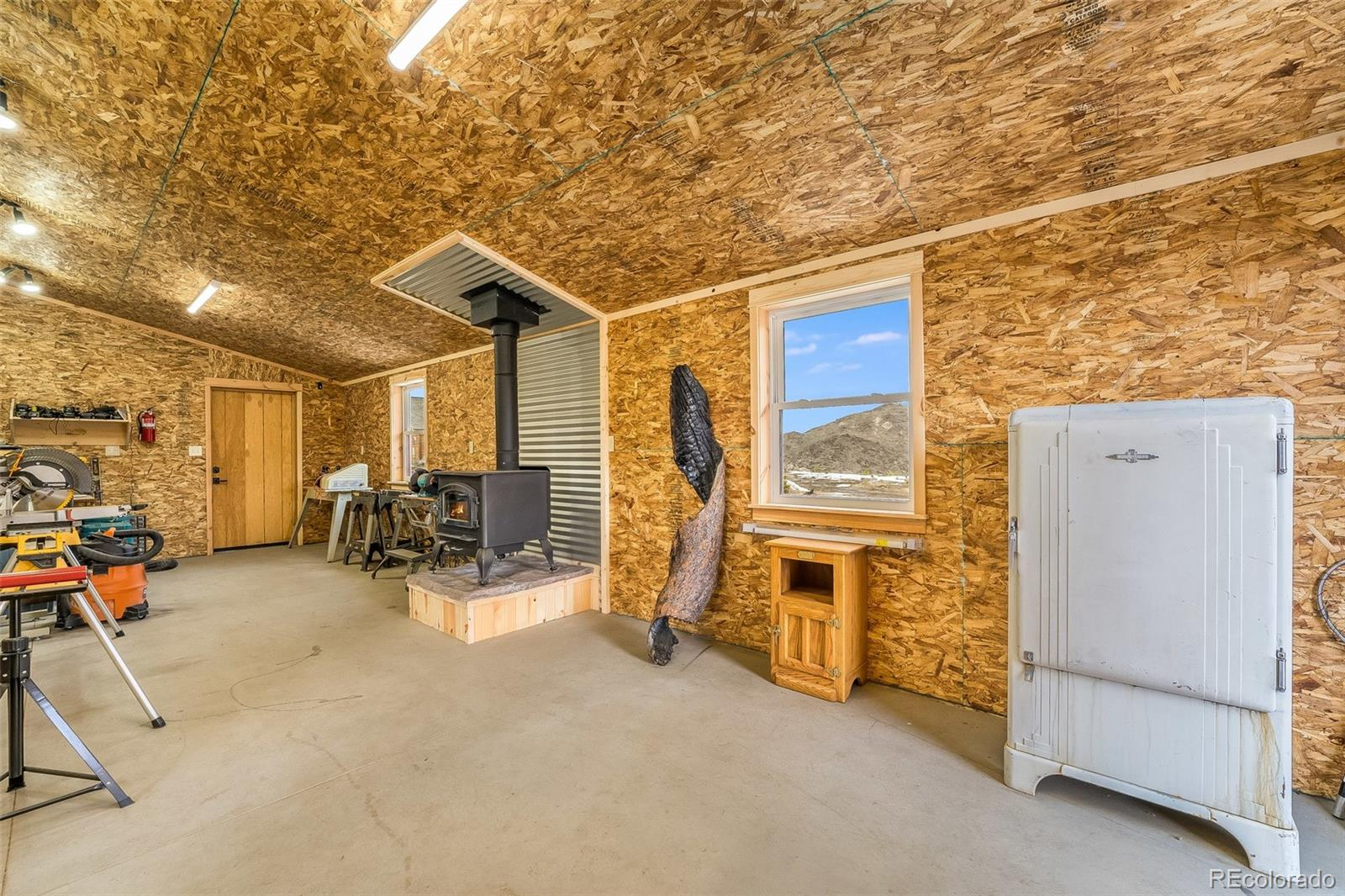 599 Ford Hill, Bellvue, CO