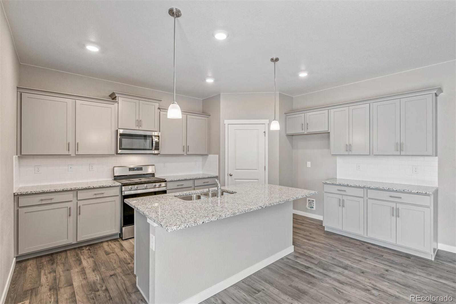 14598 Holstein, Mead, CO