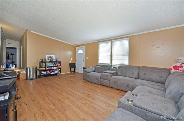 3225 36th, Avondale, CO